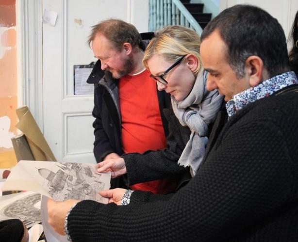 Cate Blanchett Türk ressamı ziyaret etti