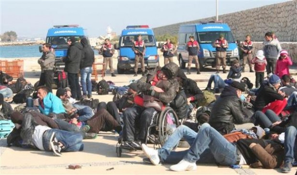 Balıkçı teknesinden 140 Suriyeli göçmen çıktı
