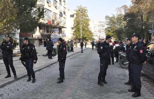 Cama çıktı! Özel harekat polisleri alarma geçti