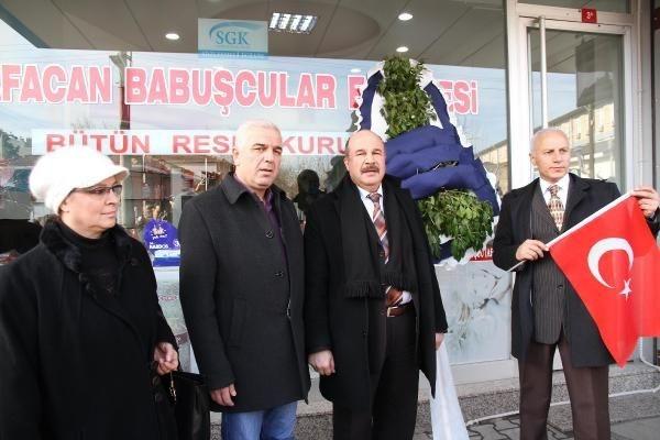 Babuşçu'ya siyah çelenkli protesto
