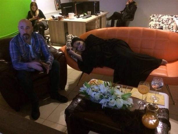 Bülent Ersoy, montaj çalışmaları yapılırken uyuyakaldı.