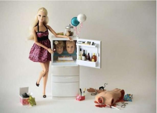 Bu Barbie çocuklar için değil