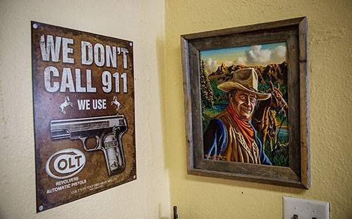 Hırsızların girmeye cesaret edemeyeceği silah restoranı