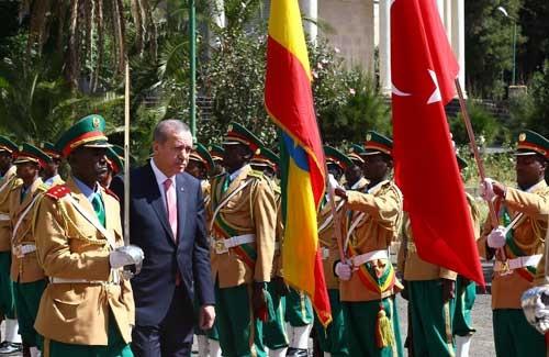 Erdoğan Etiyopya'da resmi törenle karşılandı
