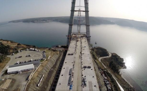 3. Köprüye ilk çelik tabliyeler yerleştirildi