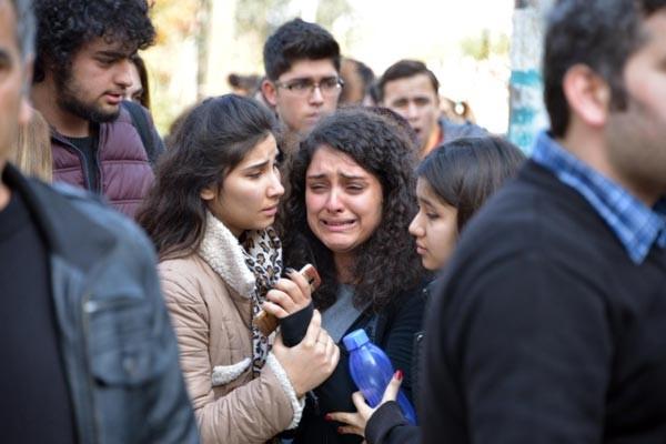 Etüt merkezi kapatıldı, sınıflardan çıkartılan öğrenciler baygınlık geçi