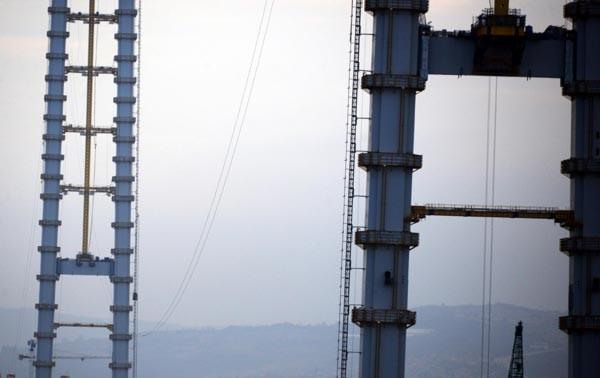Körfez Köprüsü'nde klavuz kablolar çekilmeye başlandı