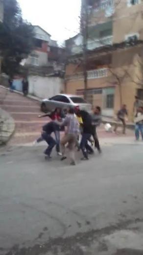 Maltepe'de sopalı, palalı kavga