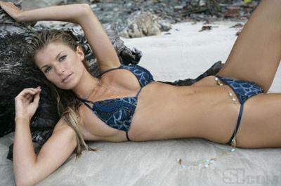 Marisa Miller Sports Illustratedın 2008 kapak kızı oldu
