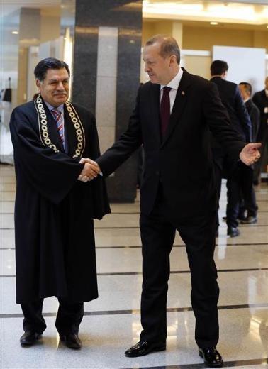 AYM'deki yemin törenine Cumhurbaşkanı ve Başbakan da katıldı