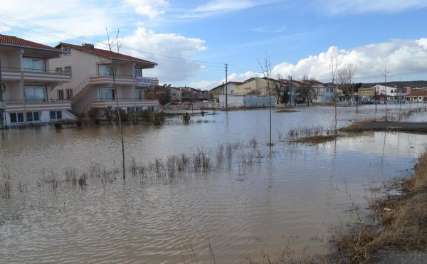 Meriç Nehri taştı! Tahliyeler başladı