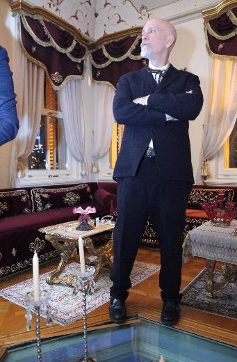John Malkovich'ten Orhan Pamuk'a övgü