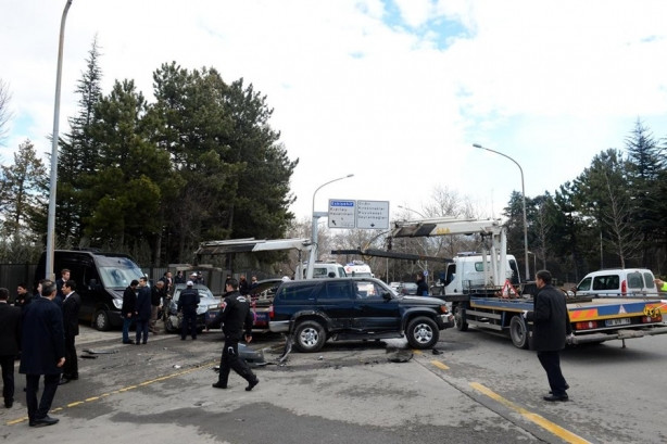 Başbakanlık önünde kaza