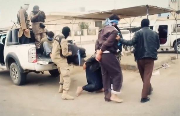 IŞİD diri diri yaktı !