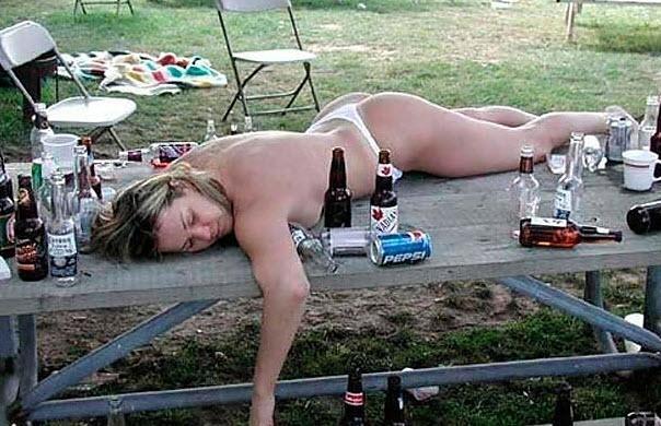 Alkolü fazla kaçıranların sıradışı görüntüleri