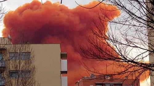 Barcelona'da kasabalar kimyasal gazla kaplandı