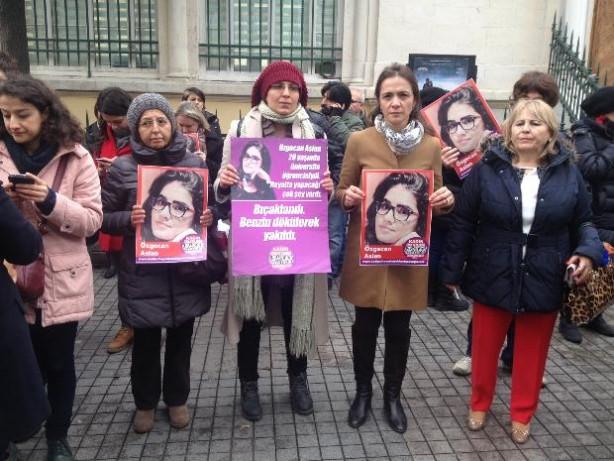 Özgecan Aslan için Taksim'de protesto