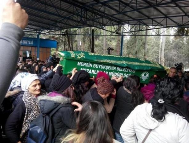 Özgecan için Türkiye'nin dört bir yanında protesto gösterileri düze