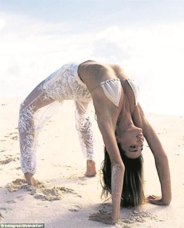 Miranda Kerr plajda !