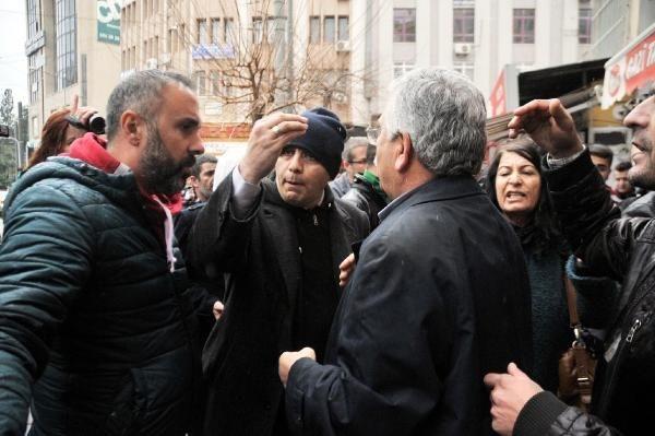 'Devlet Öcalan ile görüşüyor, biz posteriyle yürüyemiyoruz'