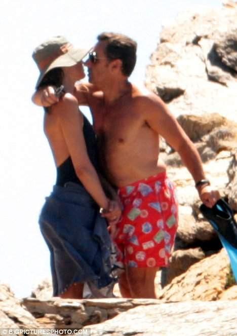 Sarkozy aşk kaçamağında