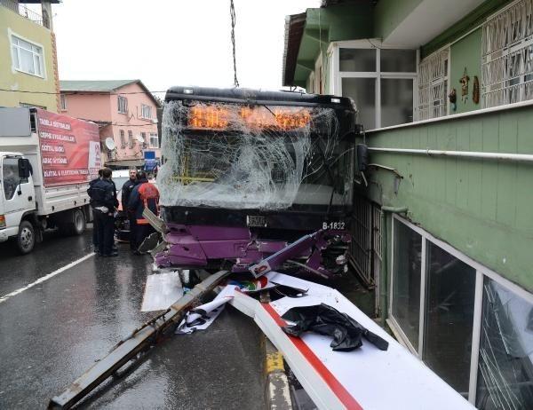 Sarıyer'de halk otobüsü kazası: 2 ölü, 8 yaralı