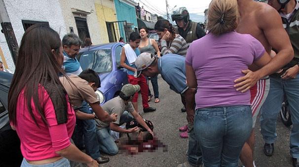 Gösterilerde 14 yaşındaki öğrenci öldü