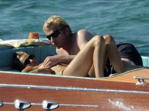 Eski tenisçi Boris Becker ve sevgilisi Sandy Meyerla