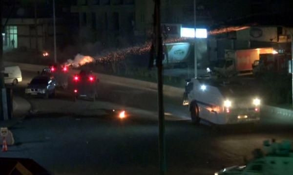 Cizre'de PKK'lılar polisle çatıştı