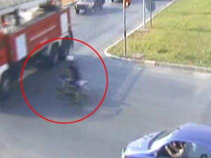 İtfaiye aracıyla motosiklet çarpıştı !