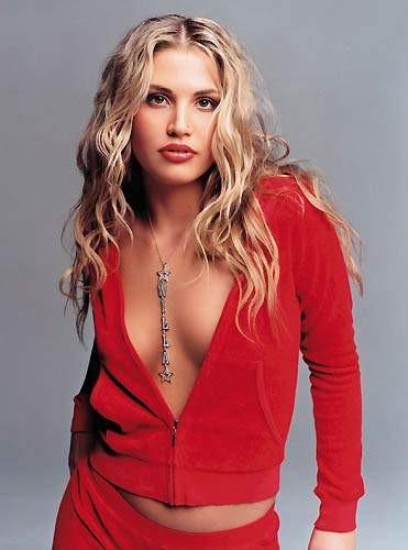 Anna Nicole Smithi Willa Ford canlandıracak