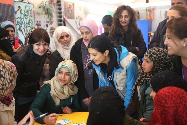Tuba Büyüküstün Ürdün'deki Suriyelilerin kampını ziyaret etti