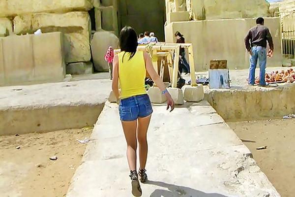 Piramitlerde porno skandalı
