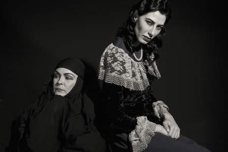 Atanın iki kadınını Nurseli İdiz ve Şenay Akay canlandırdı