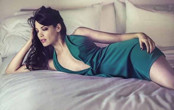 Yeni Bond kızı Meksikalı Stephanie Sigman oldu