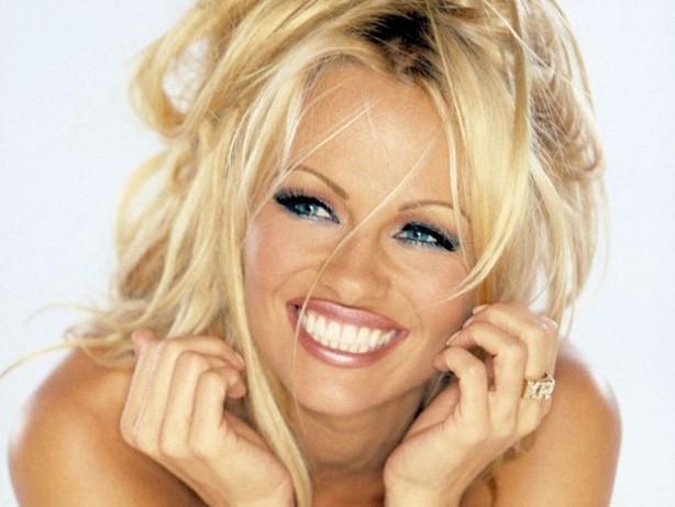 Pamela Anderson boşanıyor mu?