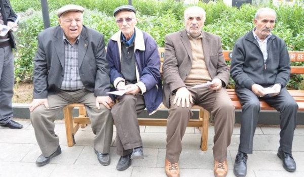 Emeklilere toplu ödeme müjdesi