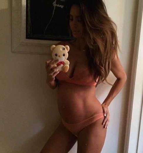 Sarah Stage 9 Aylık Hamile