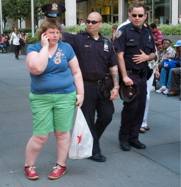 Bu kadına dikkatli bakın