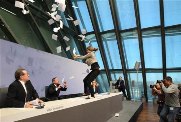Avrupa Merkez Bankası Başkanı Draghi'ye saldırı