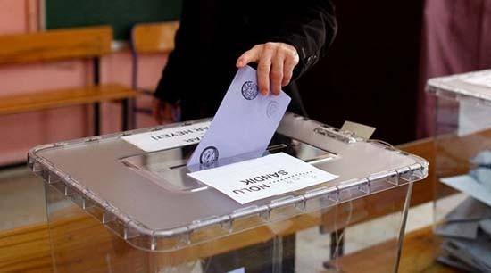 Son seçim anketi: AKP oyları eriyor