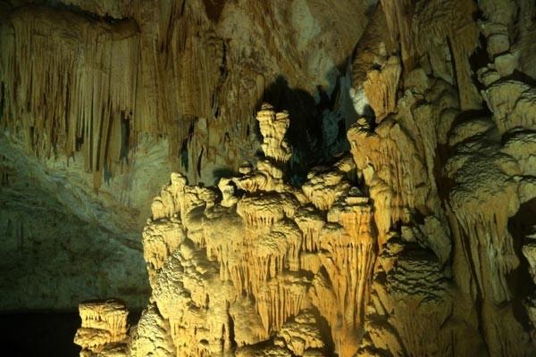 Çobanın keşfettiği yeraltındaki Pamukkale'ye ziyaretçi akını