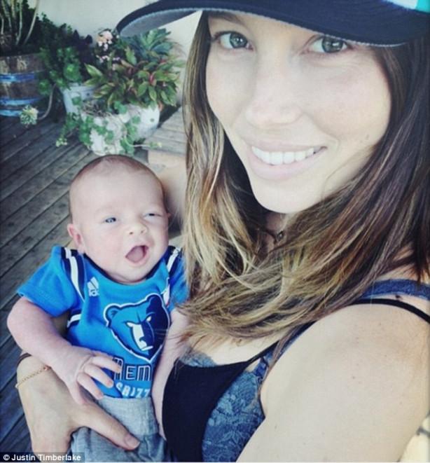Justin Timberlake oğlunun ilk ftoğrafını paylaştı