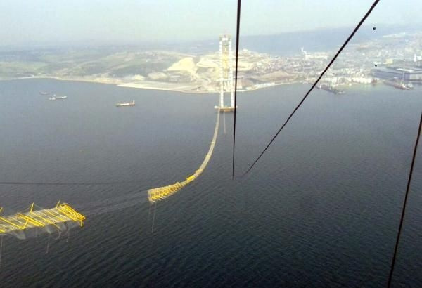 Körfez Köprüsü'nde kopan halatları özel ekip sökecek