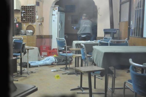 Kahveye pompalı tüfekli saldırı: 1 ölü, 1 yaralı
