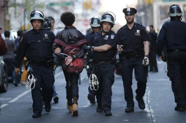 Baltimore'daki protestolar New York'a sıçradı