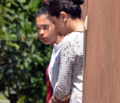 Yurttan kaçan 15 yaşındaki 2 kız, uyuşturucu kullanırken yakalandı