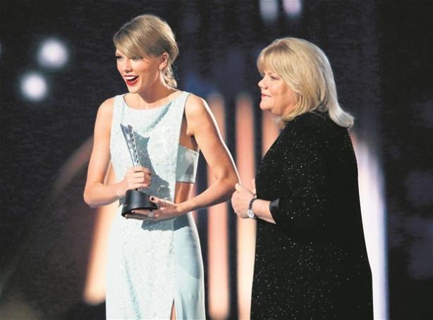 Taylor Swift havaalanını karıştırdı!