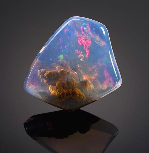 Mineraller arası güzellik yarışmasında finale kalan 25 mineral