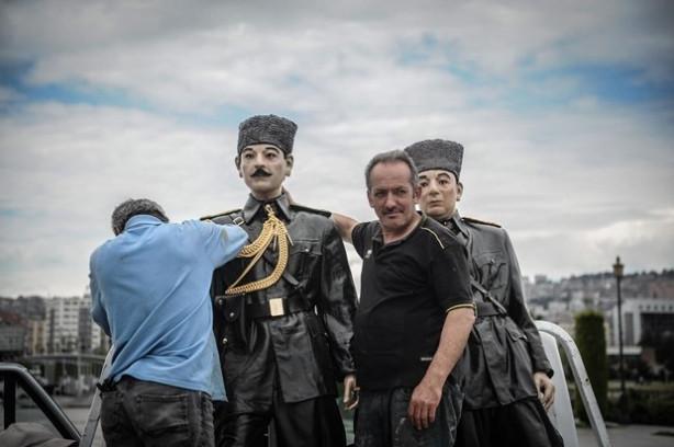Atatürk ve silah arkadaşlarının heykellerine bakım